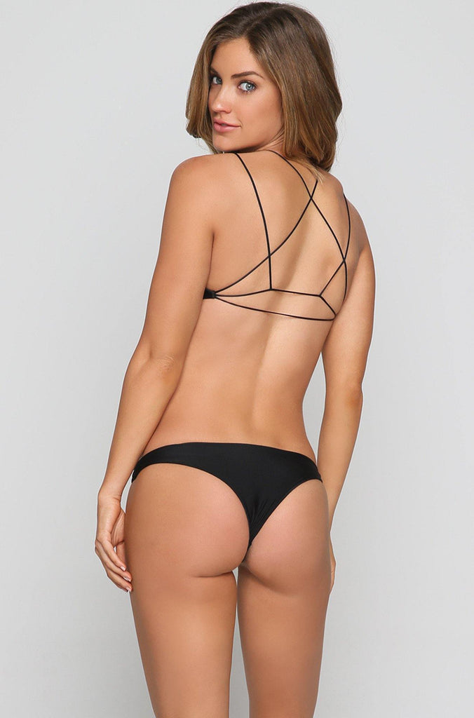 Mikoh Swimwear® Bikini Tops at Stylight: Best sellers up to −75% products in stock Variety of styles & colors» Shop now!