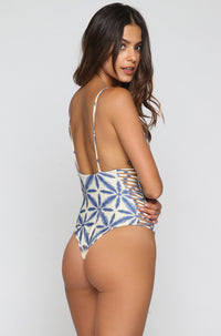 Stone Fox Swim Hermosa One Piece in Batik|ISHINE365 - 4