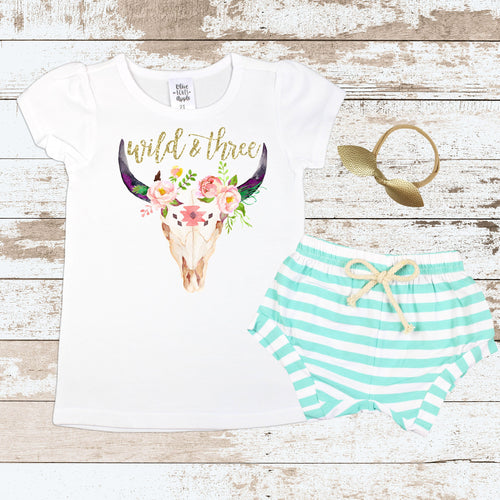 Gold Wild and Three Mint Shorts Outfit