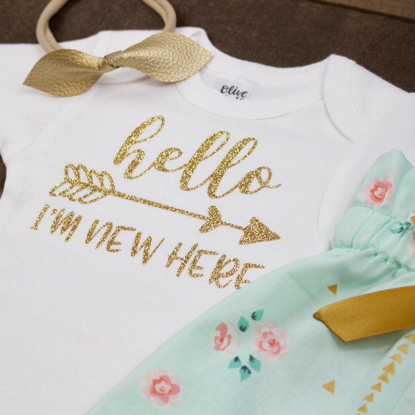 Gold Hello I'm New Here Newborn Outfit