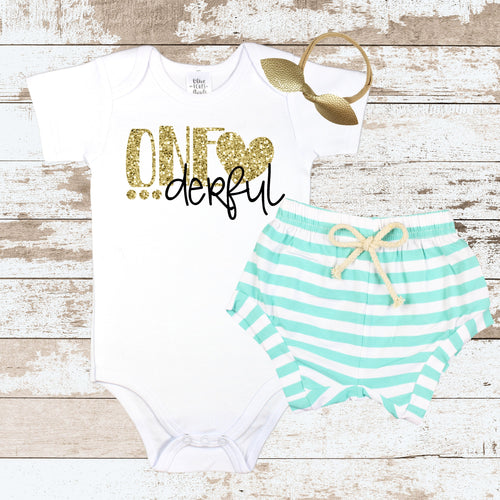 Gold One-derful Mint Shorts Outfit