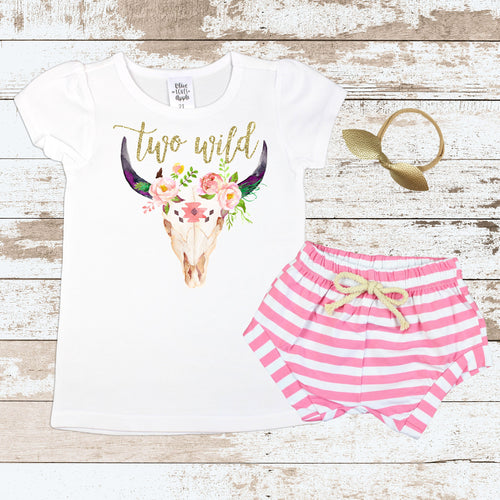 Two Wild Bull Skull Pink Shorts Outfit