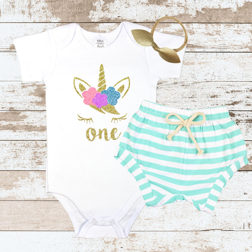 Gold One Unicorn Face Mint Shorts Outfit