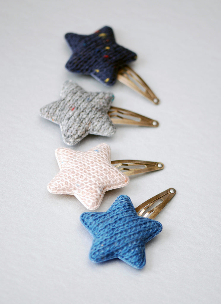 Star Knit Snap Pin