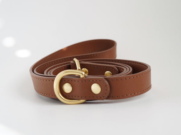 Saddle brown leather leash