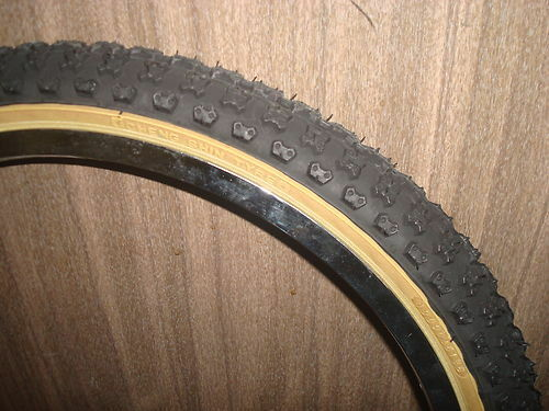 Cheng Shin Comp 3 with Skinwall Sides BMX  Tires Tyres 20 x 1.75 Red