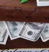 1052 – Gucci Dollars - Pastry Palace