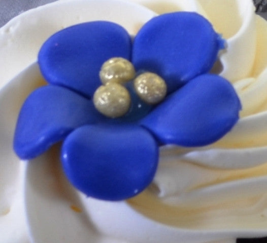 1406 – Simple Flower Cupcakes - Pastry Palace