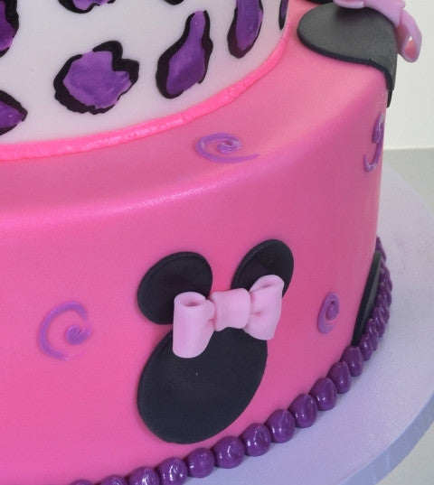 1592 – Minnie Mouse on the House - Pastry Palace