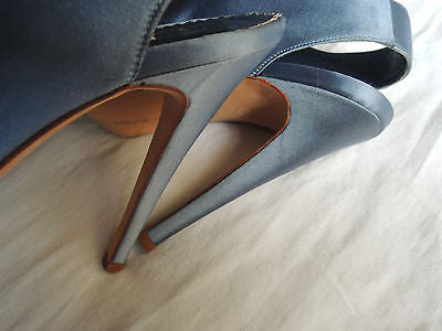 ~ MANOLO BLAHNIK LIGHT BLUE SATIN LACE UP BOOTIES /  HEELS (PURE LOVE!)~ 38