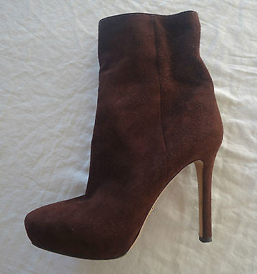 ~ PRADA DARK BROWN SUEDE PLATFORM ANKLE BOOTS / BOOTIES (SOOOO CHIC)~ 39.5