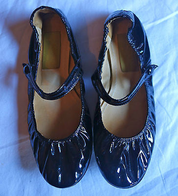 ~ LANVIN BLACK PATENT LEATHER MARY JANE BALLET FLATS (TRES CLASSIQUE!) ~ 37 US 7