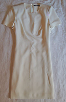 ~ ALEXANDER MCQUEEN WHITE SHORT SLEEVE SHIFT DRESS W/ SLIT (INSANELY CHIC!) 40