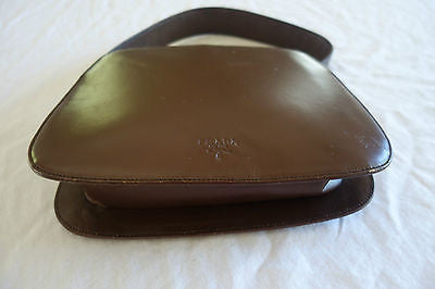 ~  AUTHENTIC PRADA CHOCOLATE BROWN LEATHER CURVED HANDLE BAG (A CLASSIC!)~
