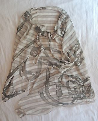 ~AUTHENTIC GUCCI HORSEBIT BUCKLE PRINT SCARF / WRAP (TRES CLASSIC!!)  ~
