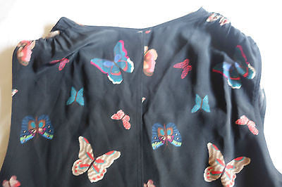 ~ TUCKER NAVY BUTTERFLY PRINT SLEEVELESS BLOUSE / TOP  (TRES PRETTY) ~  S