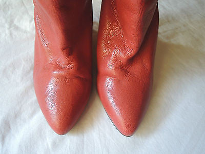 ~ IRO RED LEATHER WEDGE ANKLE BOOTS / BOOTIES  (TRES COOL!) ~ 38