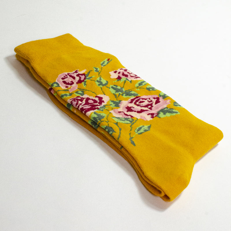 ROSES <br> YELLOW <br> MID-CALF