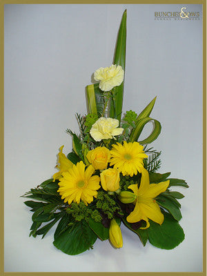 Traditional Arrangement, Bunches & Bows Florist, Shop 9, Albion Place, Dunedin 9016.jpg