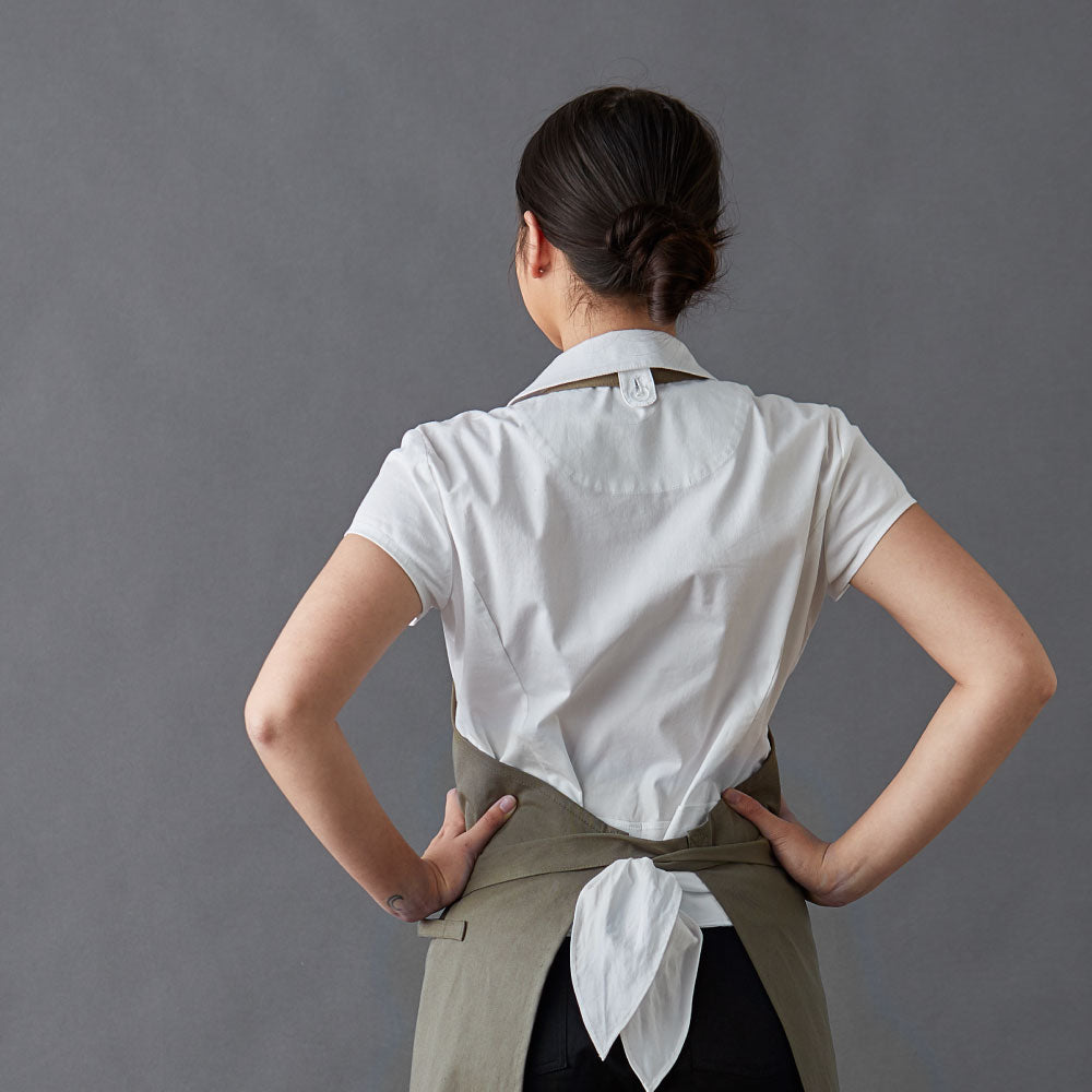 Chef-shirt-simone-White-Back-bow-under-apron