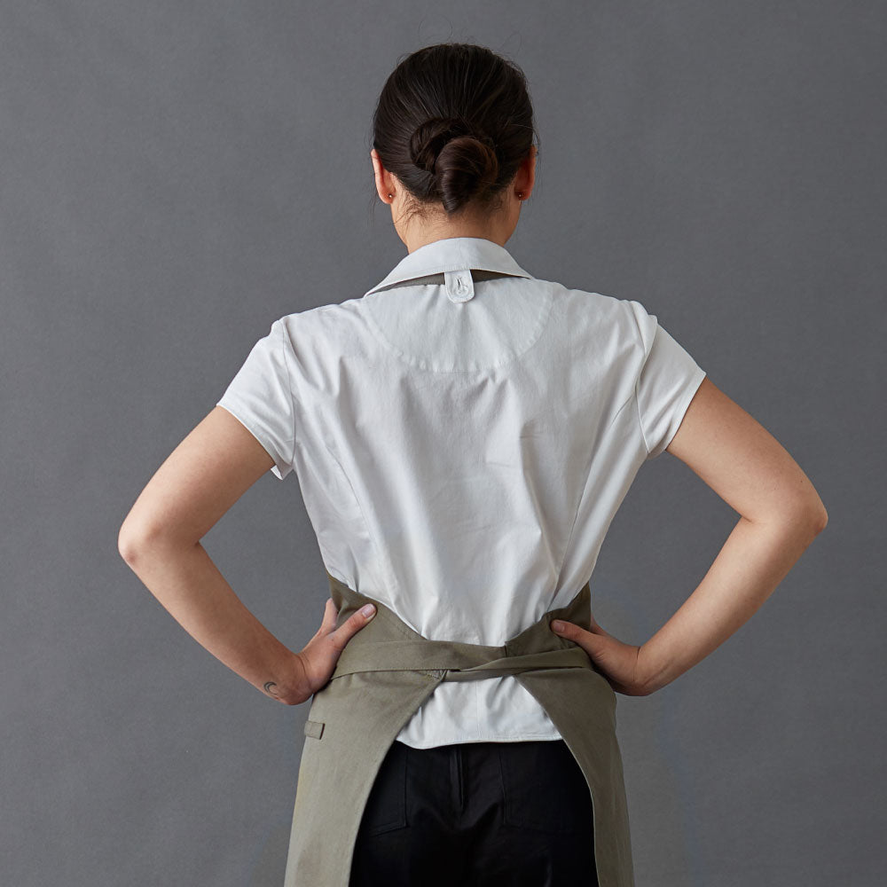 Chef-shirt-simone-White-Back-with-apron