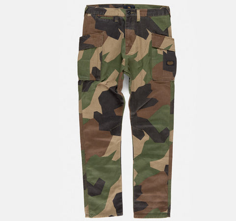 10Deep - Hi Post Cargo Pant, Neo Woodland - The Giant Peach - 1