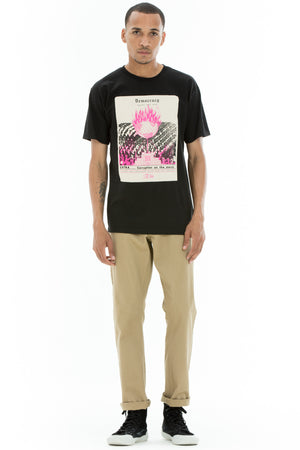 OBEY x Jamie Reid - Democracy Gasps For Air Men's Shirt, Black - The Giant Peach