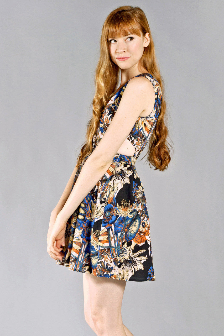 In The Garden V-Neck Dress, Black and Blue - The Giant Peach - 3