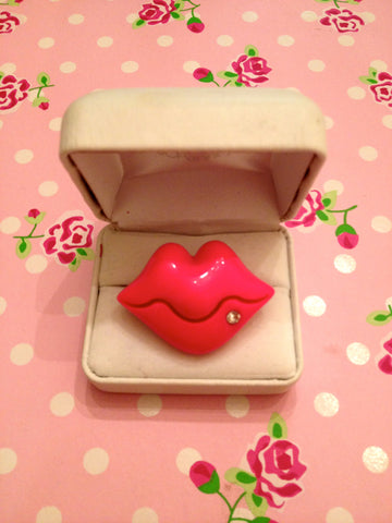 Betsey Johnson Inspired Lip Ring