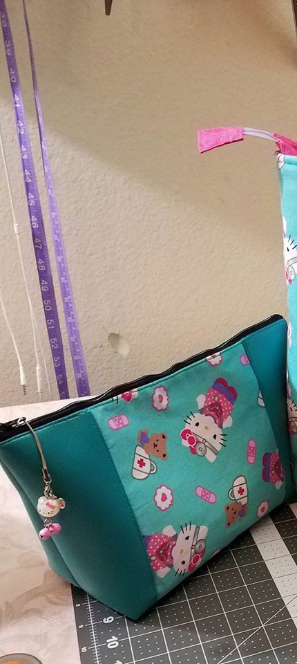 The Peek-A-Boo Beauty Bag - Sewing Pattern – More Me Know
