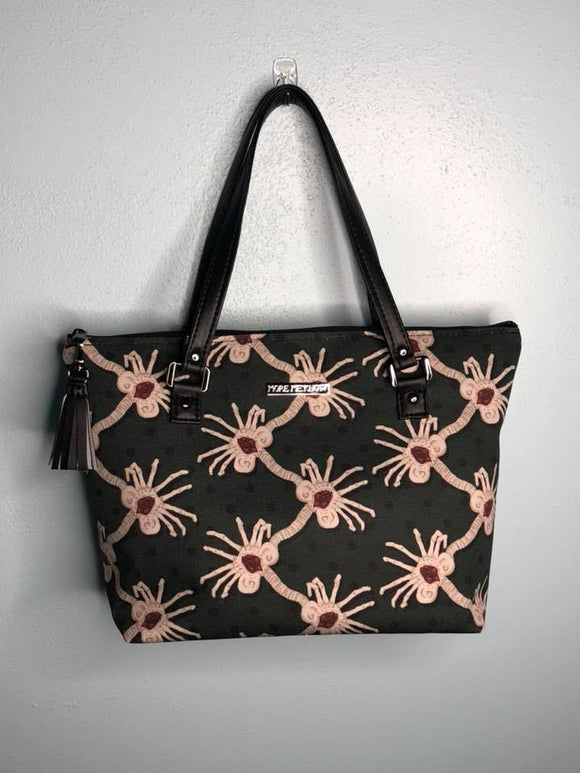 Facehugger medium sized Handbag