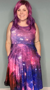 Girly Galaxy | The Perfectly Pocketed Dress