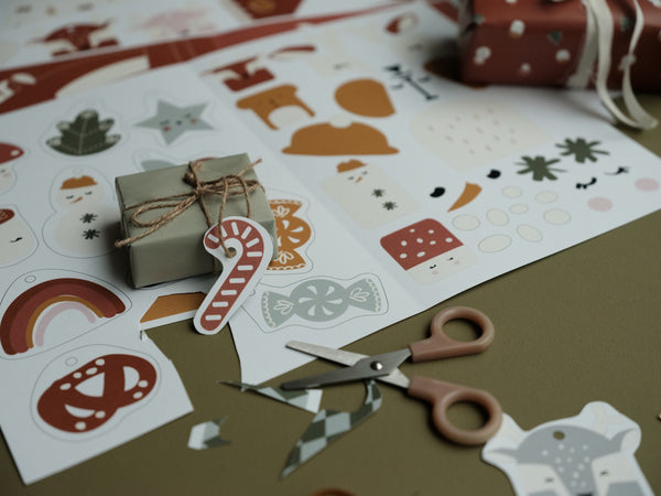 Božični ustvarjalni komplet Fabelab Mini Makers - Christmas Paper Activity Booklet