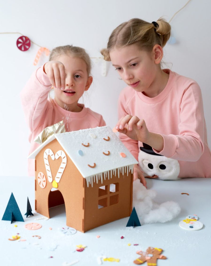 Božični ustvarjalni komplet Hišica iz medenjakov Fabelab Mini Makers - Gingerbread House Kit
