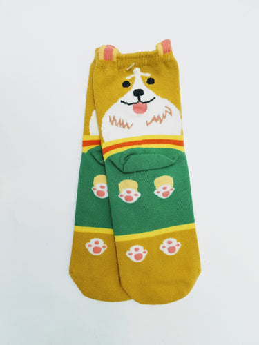 Dog Tan with Green Shirt Low Crew Socks