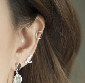 Lean on Ear Cuff