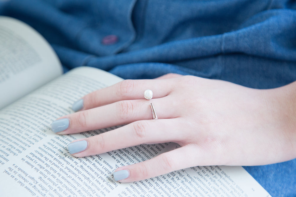 Modern Summer Pearl Ring