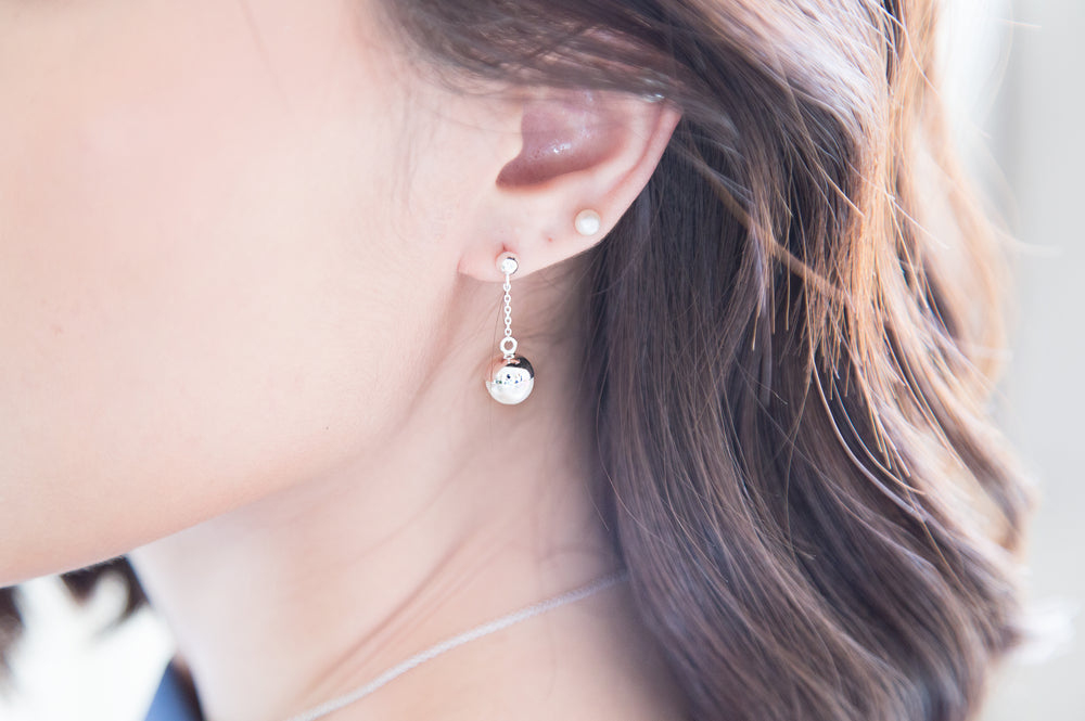 Load image into Gallery viewer, Classy Pearl Earrings