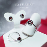 Saturday | Lucky me Ring- White Gold (Red Garnet)