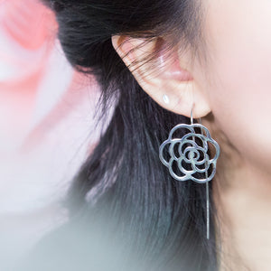 Elegant Shadow Earrings (Silver)