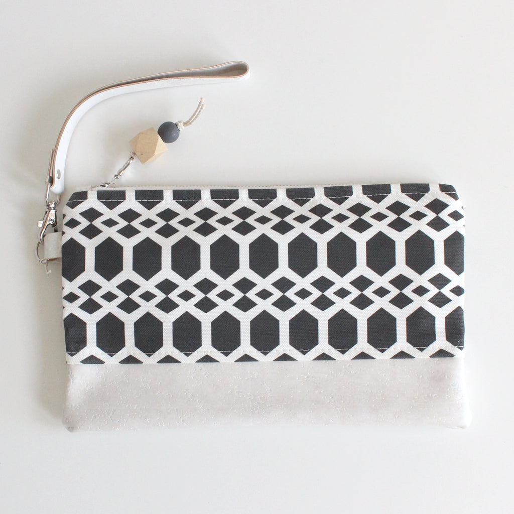 Clutch Smock Black w/ White Cork