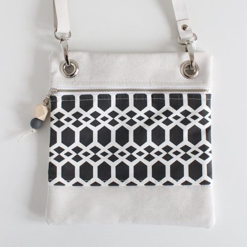 Mini Grommet Bag Smock Black w/ White Cork