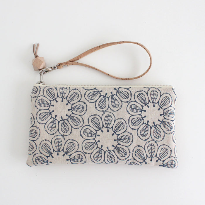 The Small Clutch in Ficus Indigo