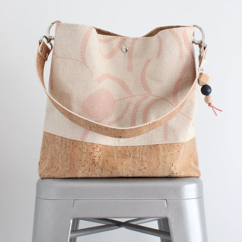 The Grommet Bag in Sawtooth Banksia Blush Pink