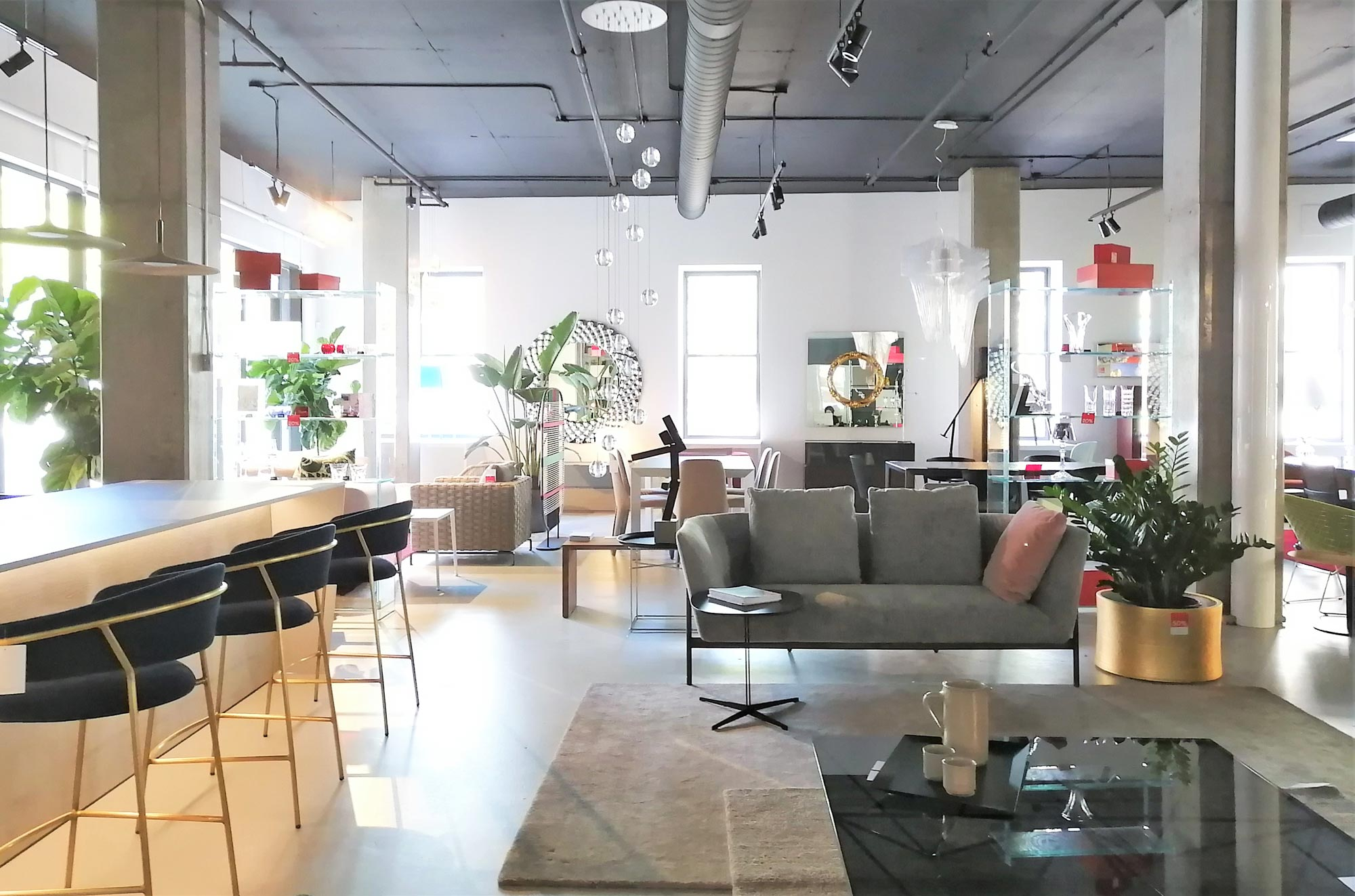 Come visit our showroom in the heart of downtown Montreal and benefit from  our discerning customer service  Our store showcases the essential pieces  of our. Avant Sc ne I contemporary modern furniture in Montreal  Canada