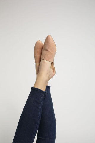 Lucy Flat in Mauve