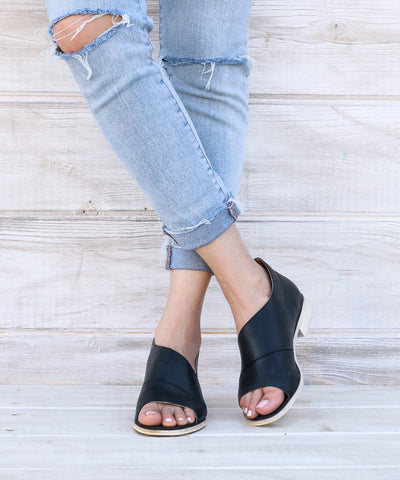 Harley Open Toe Flats - Black