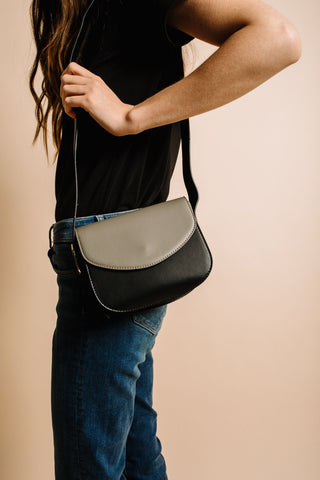 Melbourne Crossbody - Black