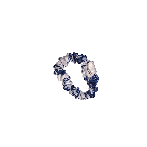 BLUE LEAF SCRUNCHIE by Pompi Garcia