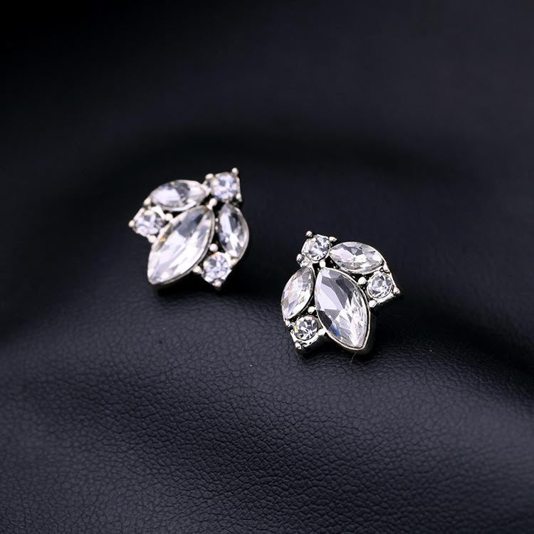 Esme Leaf Stud Earrings